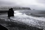 Sea stack near Vik 20160318 0335
